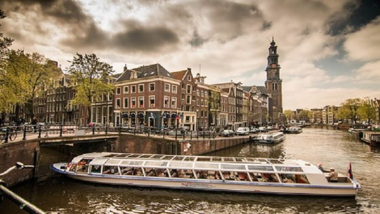 GO Holland Student Groups Travel GO Dutch travel cannal boat