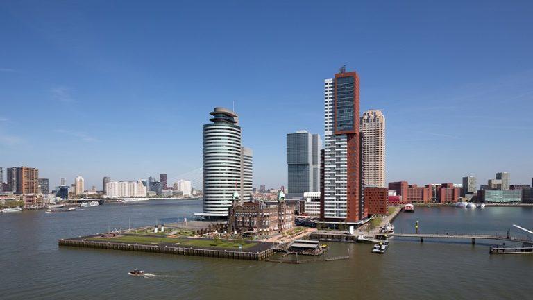 GO Rotterdam Skyline Architectuur dag De Rotterdam Hotel New York Kop van Zuid Maas Montevideo Rivier water World port center zomer GO Dutchtravel Rotterdam