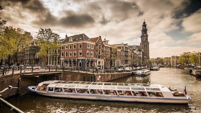 GO Holland Student Groups Travel GO Dutch travel cannal boat